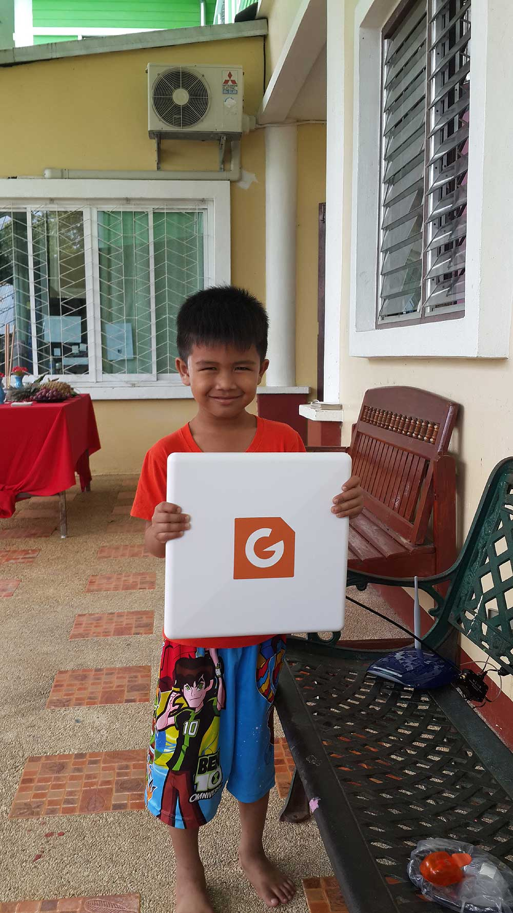 G Spotter Maxi Gain WiFi antennas helping set up a large WiFi area at Baan Tharn Namchai is an Orphanage